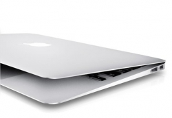 Apple MacBook Air 11 MD2248GH1RU/A